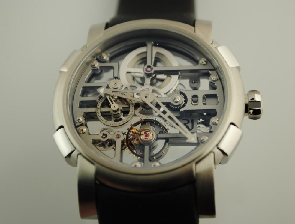 Часы Romain Jerome и Schwarz Etienne
