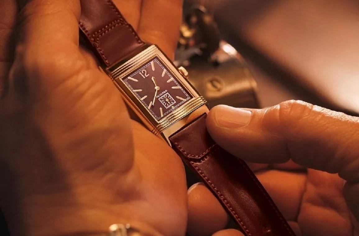 Швейцарские часы Jaeger LeCoultre Reverso 1931 Rouge 2